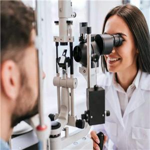 胡镜视力保健验光