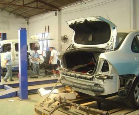 斯德格汽车维修修车