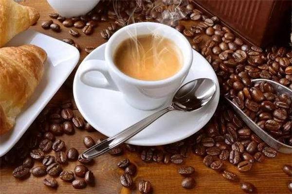 慢咖啡醇香