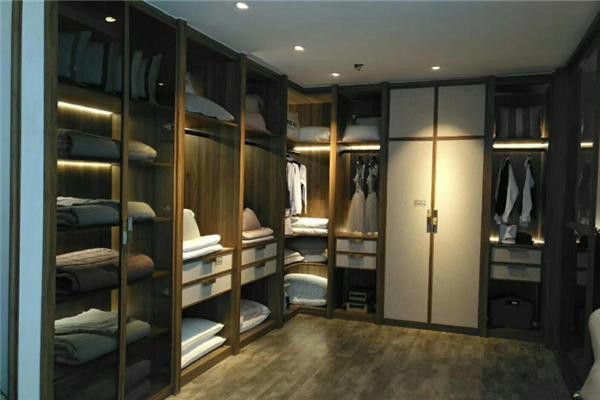 康潔整體衣柜多功能
