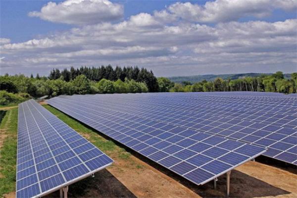 晶澳光伏發電太陽能發電