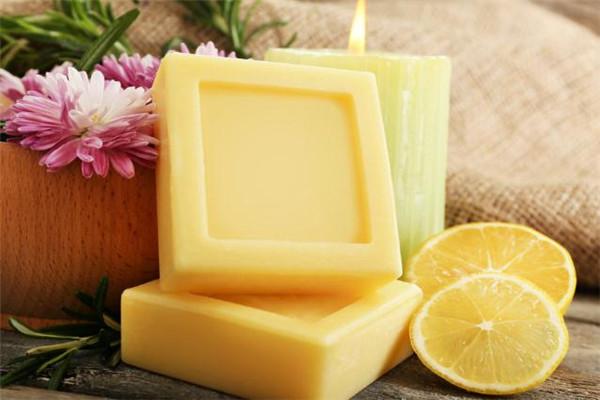 西植手工皂黃顏色