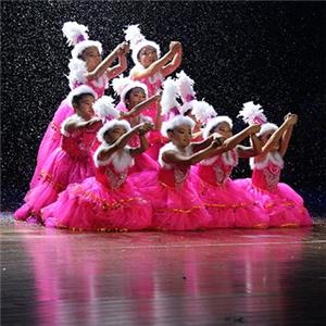 國際領風尚舞蹈培訓舞臺