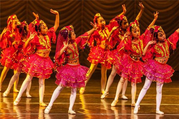 國際領風尚舞蹈培訓舞臺表演