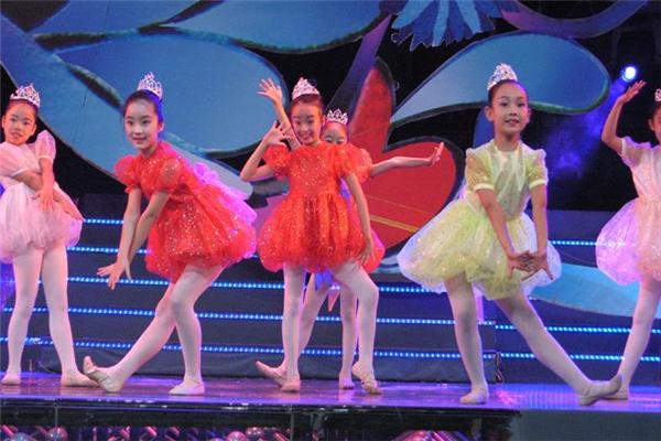 國際領風尚舞蹈培訓學員