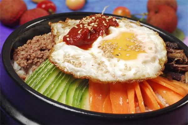 美食记石锅拌饭鸡蛋