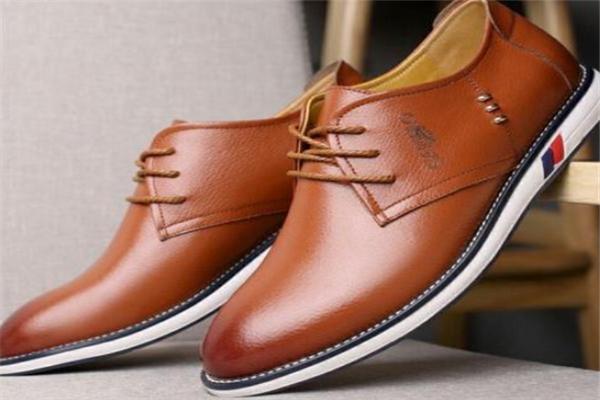 卡帝樂鱷魚皮鞋品牌