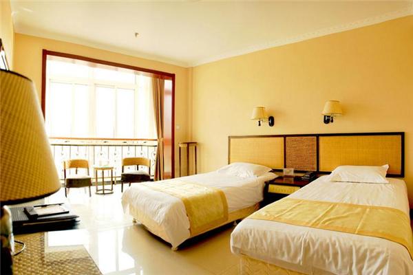 日照宏偉國際酒店臥室