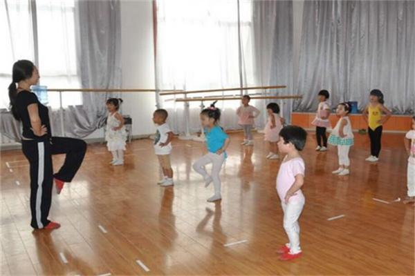 童星彩艺术教育教学