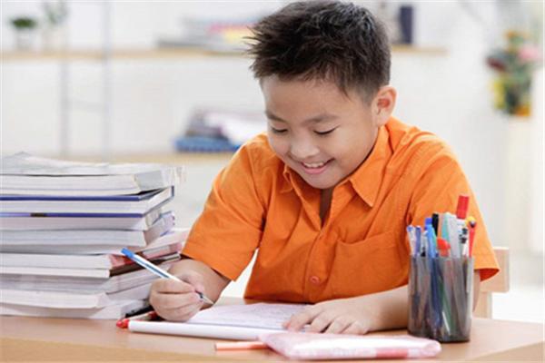 智乐优作文培养孩子独立