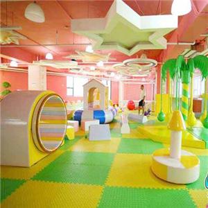 迪諾兒童樂園游玩