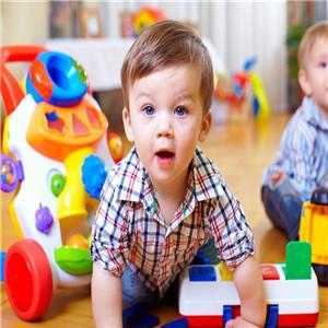 好萊木玩具和兒童