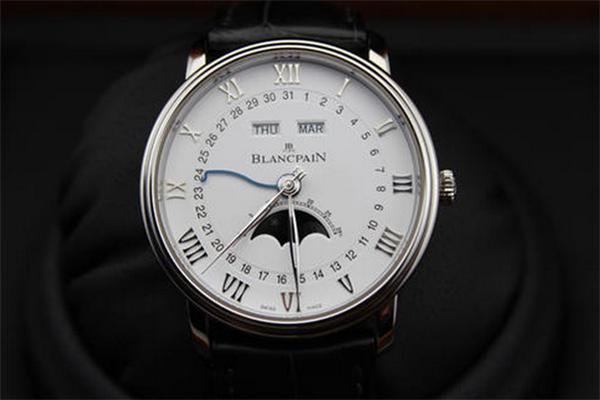 寶珀手表銀色