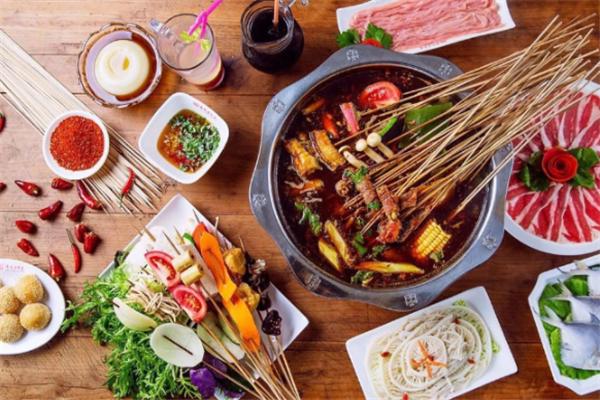 元吉串串香菜品豐富