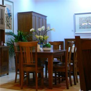 瑞百麗家具餐桌