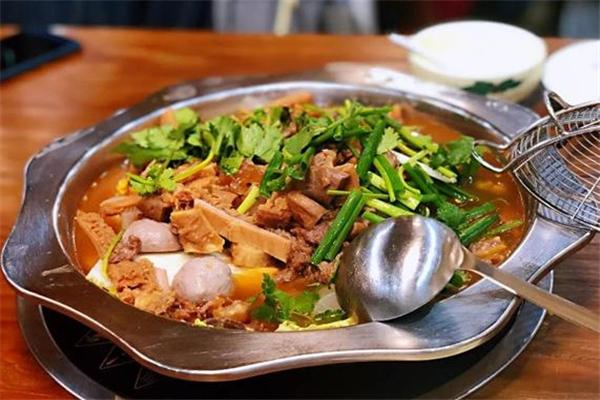 楠朝鲜牛腩火锅美食
