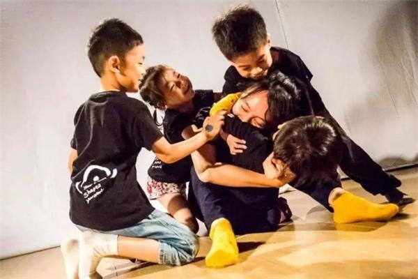 天桥艺术教育表演课程