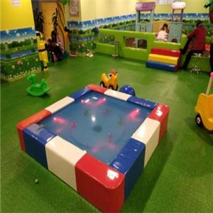爱多宝儿童乐园蹦床