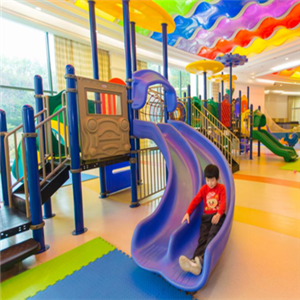 爱多宝儿童乐园滑梯