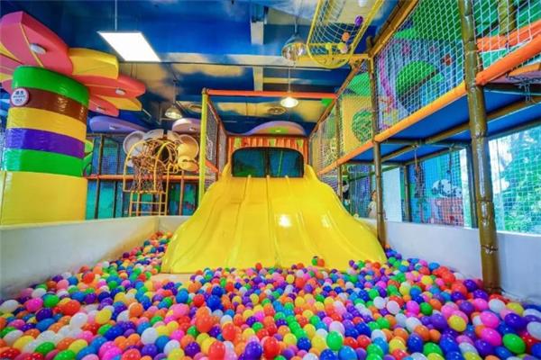 爱多宝儿童乐园海洋球