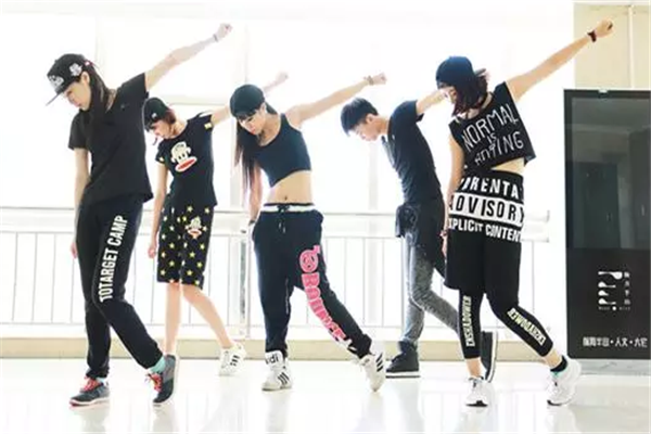领尚舞蹈培训机构街舞