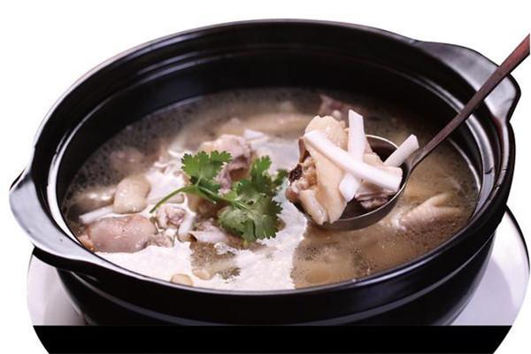 湯之鮮豬肚雞椰子雞湯濃