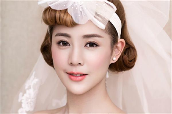 宽彩化妆培训新娘妆