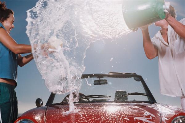 悅寶免費洗車海報