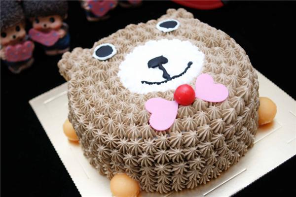 雅芳蛋糕小熊形状