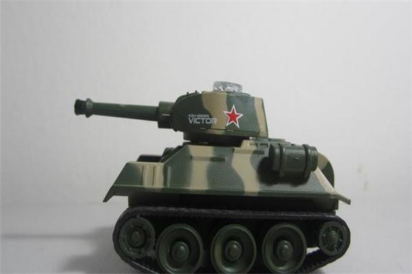 奇特玩具坦克