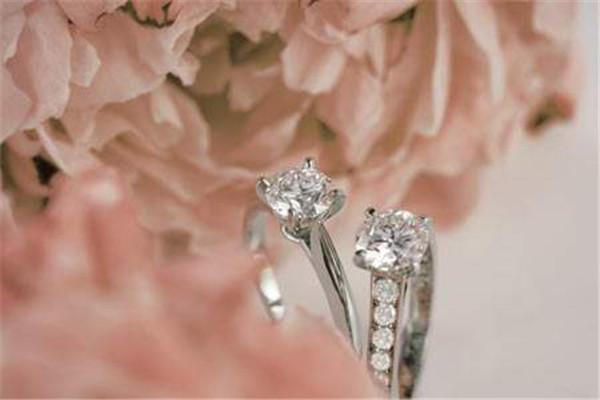 卡地亚钻石精美