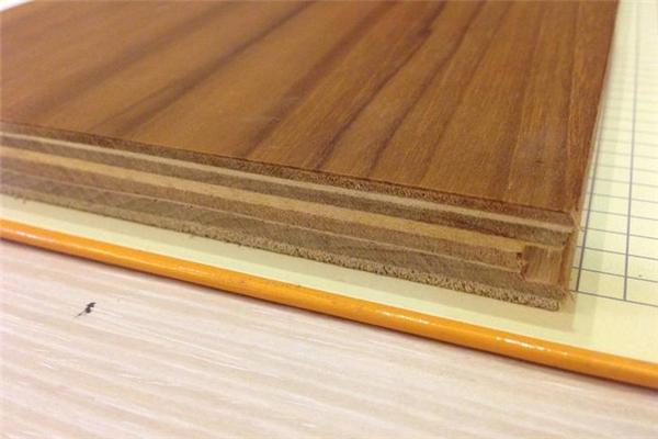 中本地板材质