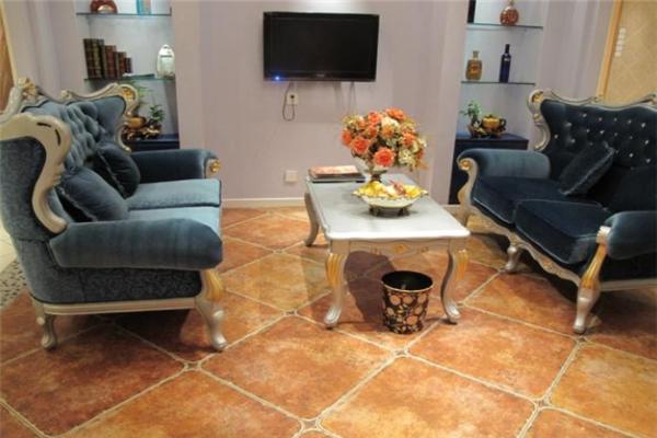 玛拉兹瓷砖小客厅展示图
