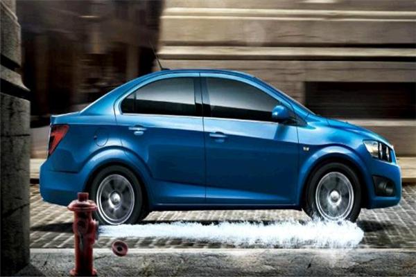 宏來汽車美容專業洗車