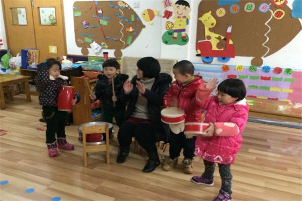 金城堡艺术幼儿园音乐课