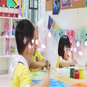 新貝亞教育中心畫畫課