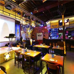 巴拉克音乐餐厅娱乐