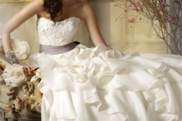 乐运嘉诚旗袍婚纱白色