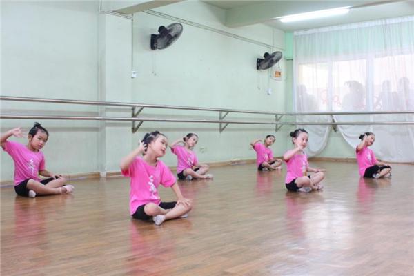 起舞藝能教育教學