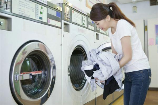 喜也乐洗衣服