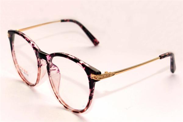 依视路近视眼镜树脂