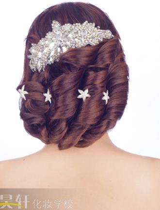 昊轩化妆摄影培训发型设计