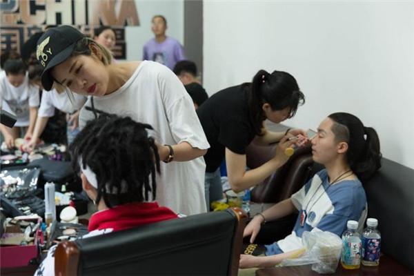 昊轩化妆摄影培训现场教学