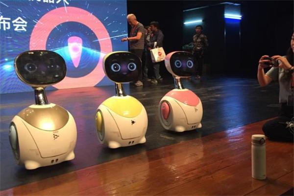 叮当教育机器人展示