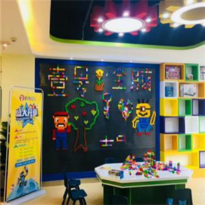 1号全脑机器人教育教室