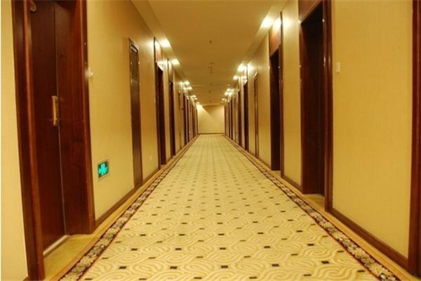 恒亚斯地毯走廊