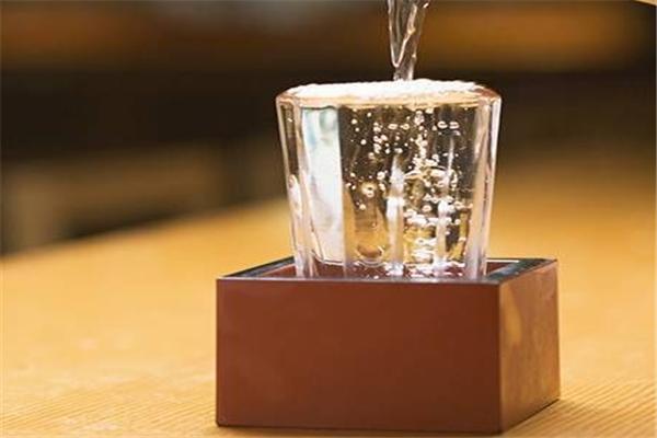 九五白酒酒水