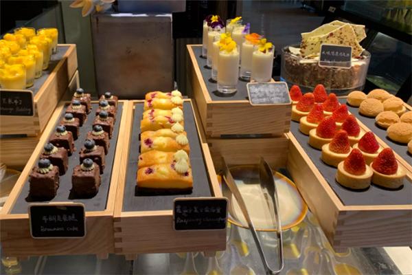 金源海鮮自助餐糕點