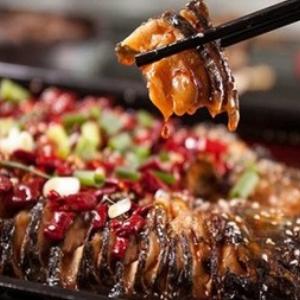 泰烧烤鱼饭快餐鲜美