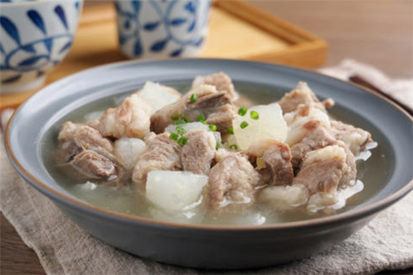 探骨排骨汤饭健康